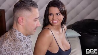 Bigg tette video reale grande pene