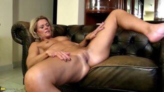 MILF casting video di sesso