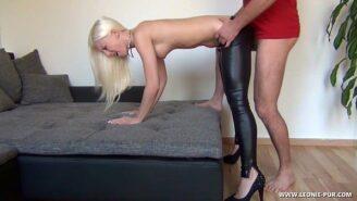 Wetlook Bitch zum Orgasmus geknallt&excl
